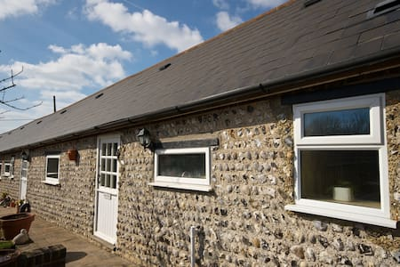 Lovely cottage in Converted barn. - Newhaven - Altro