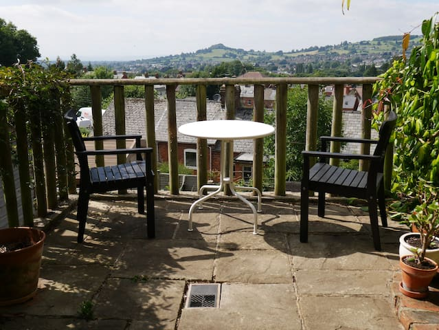 Quiet Double Room in Rodborough, Stroud. - Stroud - Huis
