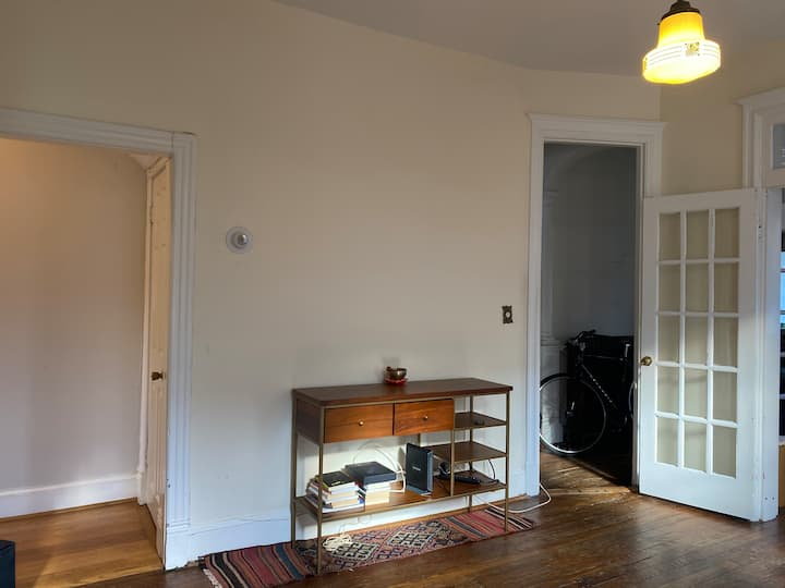 Sunny and spacious house, perfect for WFH