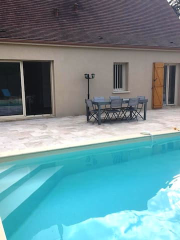 Quiet house with swimming pool near center Sarlat