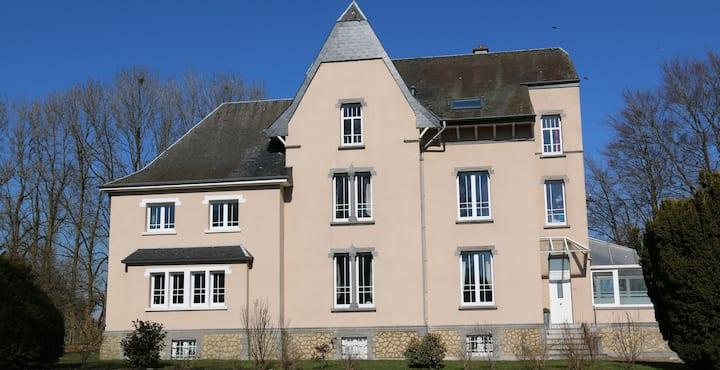 LE MANOIR DE LA RULETTE - 20 personnes, 9 chambres