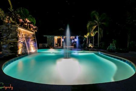 TJM Tropical Resort - Cabin 3