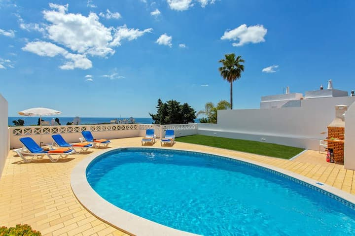 Fabulous 4 bed Villa with Private Pool  Sea Views