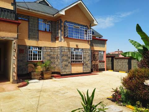 Beautiful Maisonette in Nyeri Town, Free Breakfast