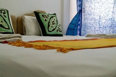 A/C Apartment, Cheap & comfy in central Stone Town - Zanzibar Town - Apartemen