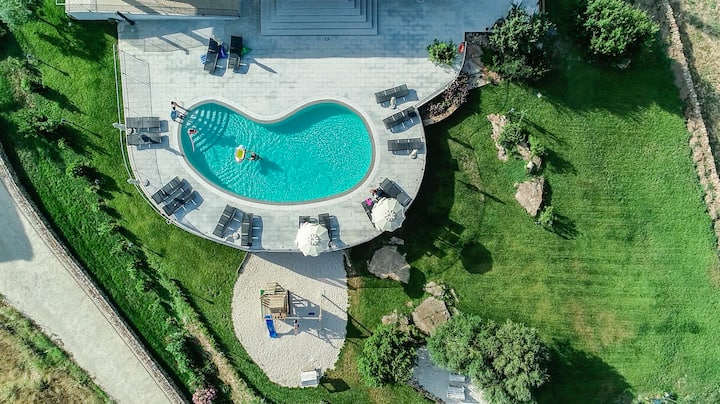 Urlaub in den wunderschònen Apartment mit Pool