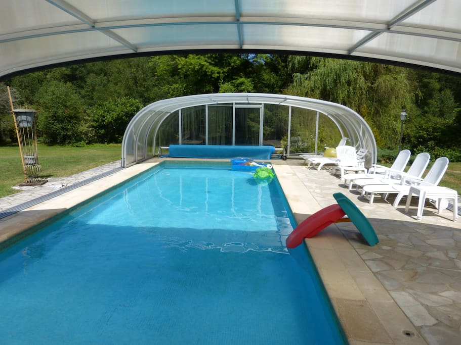 Maison avec piscine chauff e holiday homes for rent in for Piscine yvelines