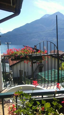 "House with view and balcony ""La casa di Natalina"""