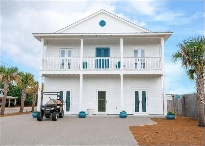 Welcome to Destin Diamond! Large Private Salt Water Pool, Guest House, and is ONLY 225 Steps to the Beach