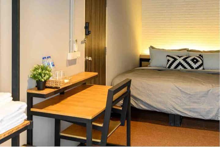 Private Room, City Center, MRT, WiFi, Netflix A2