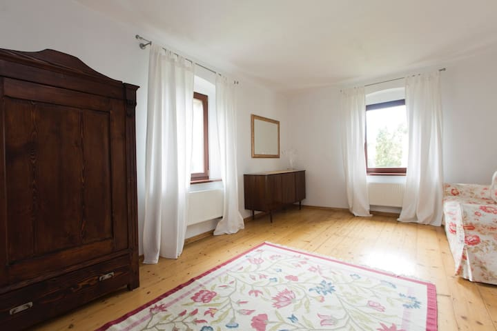 Osada Tomkowice, Sudety, Dolny Śląsk, Wrocław.