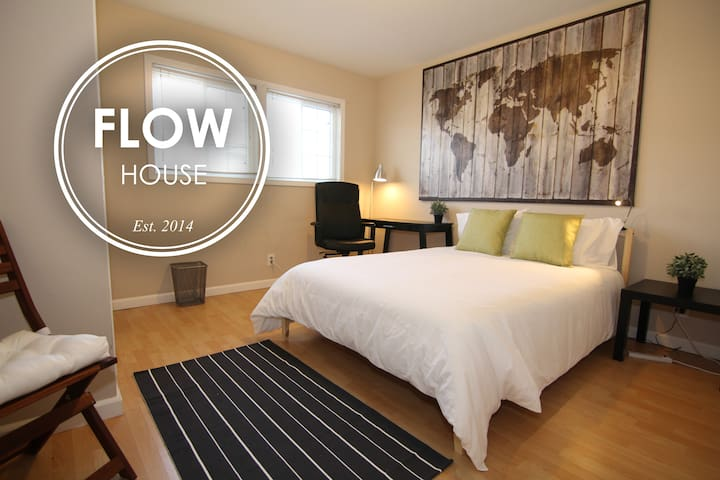 FLOW HOUSE | Empire Room - Sunnyvale - Huis