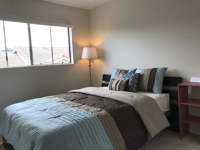 Cozy & clean room in LA #2 - Monterey Park - Talo