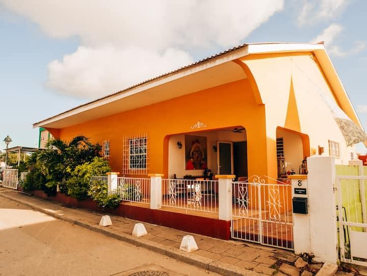 Casa Lina 2 - Modern Vintage Oasis