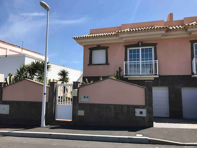 Luxury House with pool, Ocean View,beach El Medano