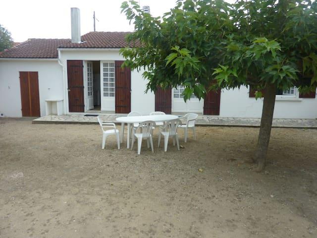 Belle maison à 15 minutes de la plage à pieds - Dolus-d'Oléron