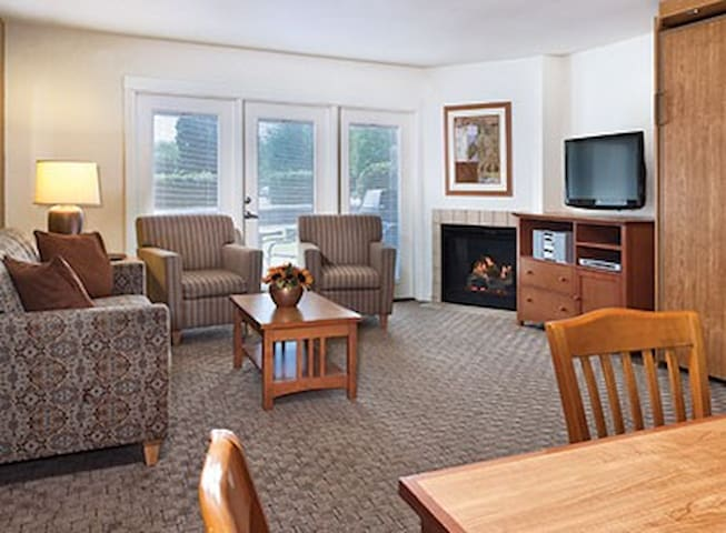 Grand Lake Studio #2 (FREE WiFi / NO CLEAN FEE) - Afton - Condominium