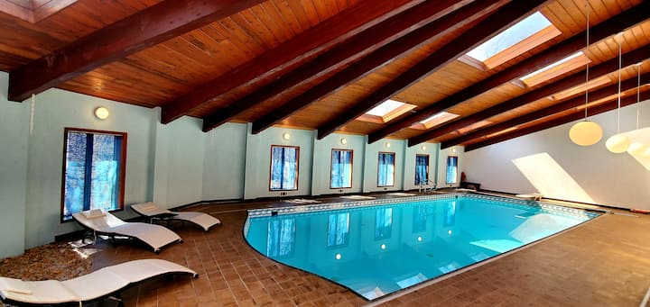 PRIVATE INDOOR HEATED POOL-OPEN ALL YEAR@BLUE MTN