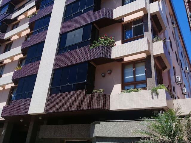 Apartamento Capão da Canoa 100m centro e 50m praia
