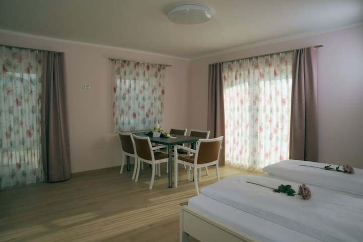 Pension Lerchenfeld Familien Suite