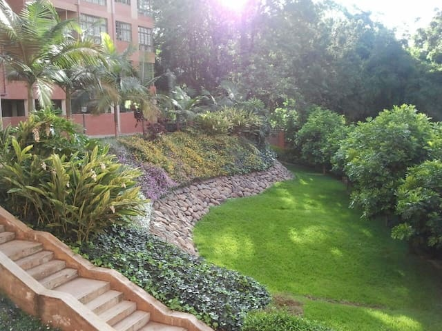 Riverside Guest House Apartment 4 rooms available