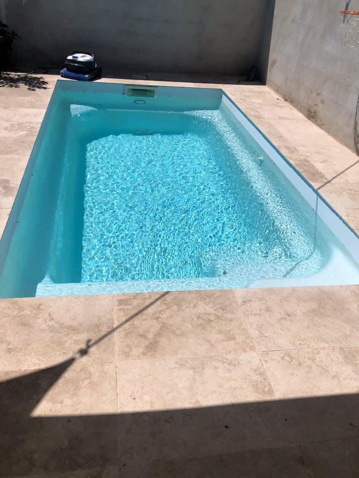 Maison avec piscine à 20min de la mer