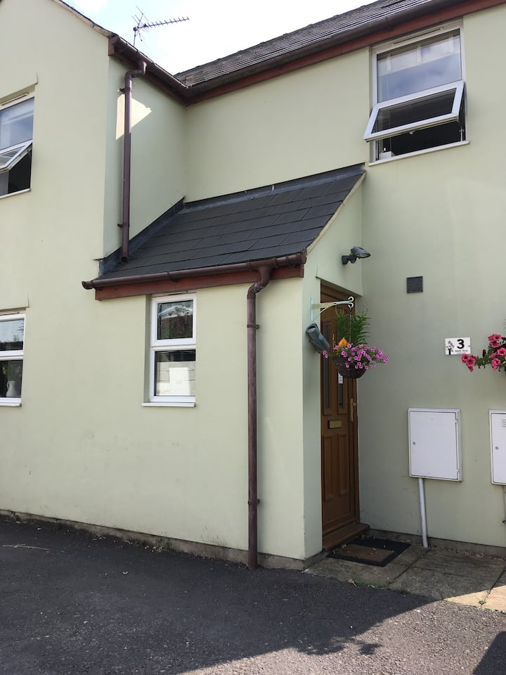 #Quaint&Quirky 2 bed house- excellent location