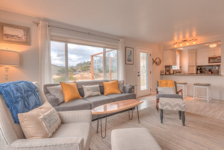 Two Blocks to Sandy Bayshore Beach from this Clean, Bright Single-Level Charm