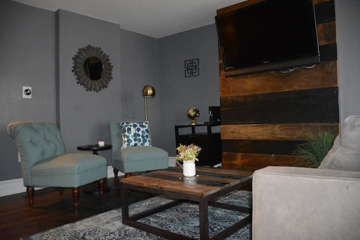 Newly renovated, 2bed 1.5 bath, off street parking