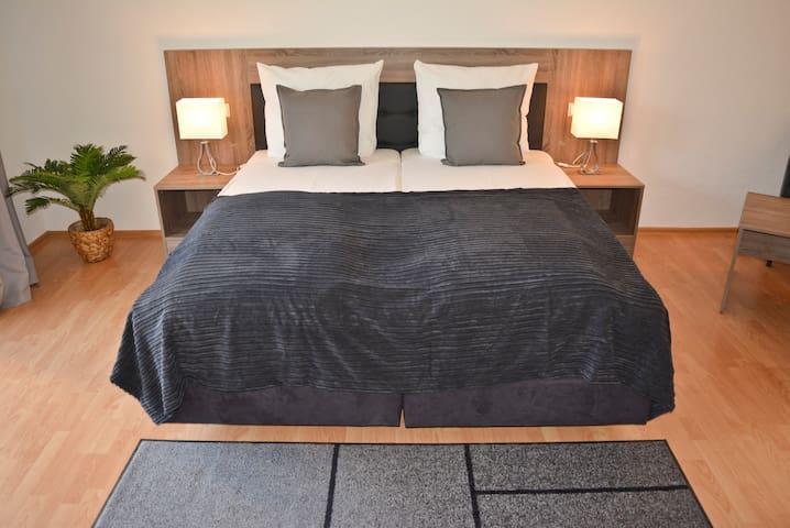 Top-Moderne Wohnung - TOP Lage & Verkehrsanbindung - Waiblingen - Appartement