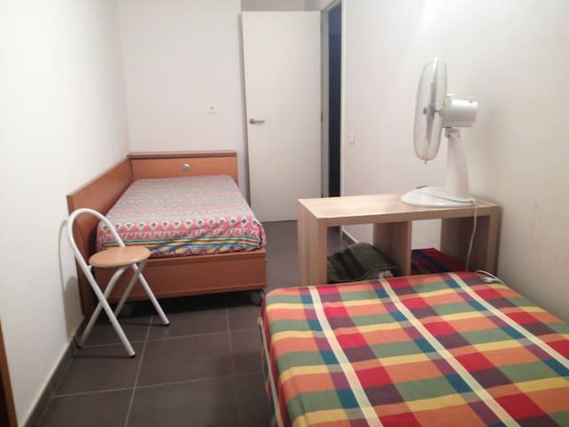 Habitacion barata para 1 o2 personas.Todo incluido