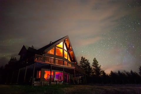 Columbia Lake Chalet [CLOSE TO SPRINGS; SLEEPS 8]
