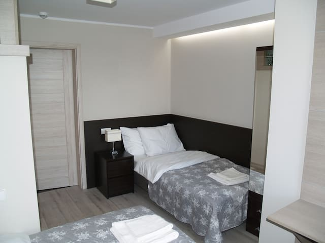 2 bedroom with bathroom, tv, Wi-Fi