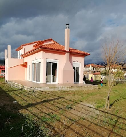 Free standing house..Relax & comfort..Beach 1.5km
