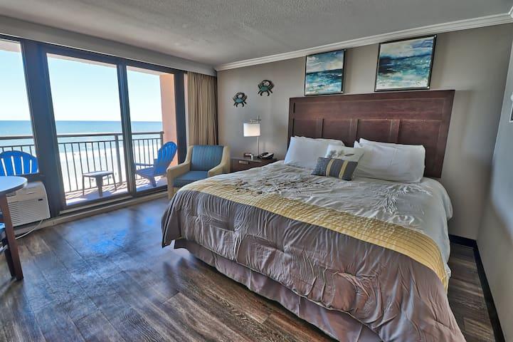 6th Floor OCEANFRONT Efficiency - Caravelle Resort