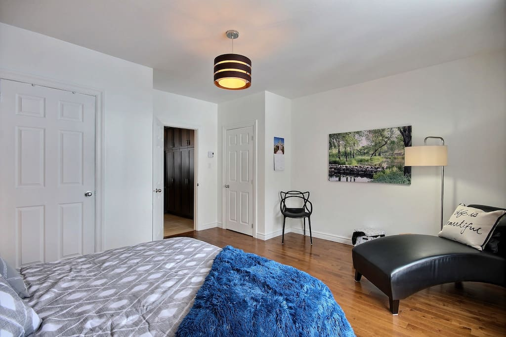 Bedroom with 2 closets