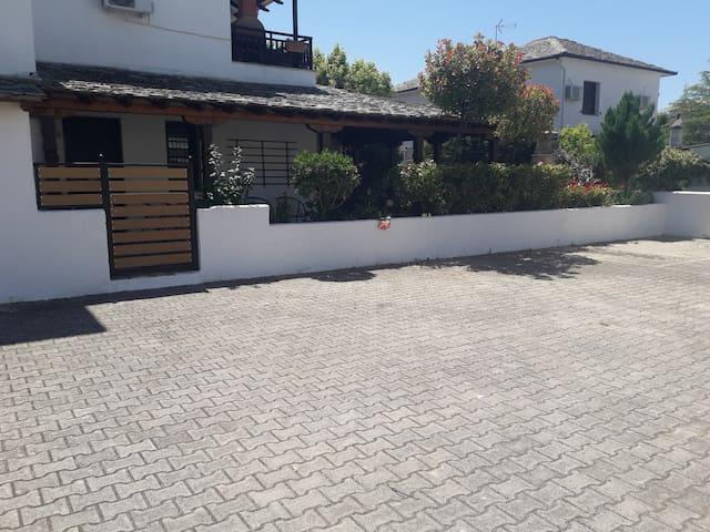 Poly's Sea Side house