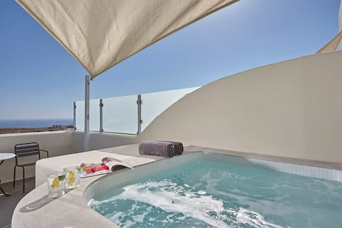Aliter Family  Outdoor Hot Tub Suite
