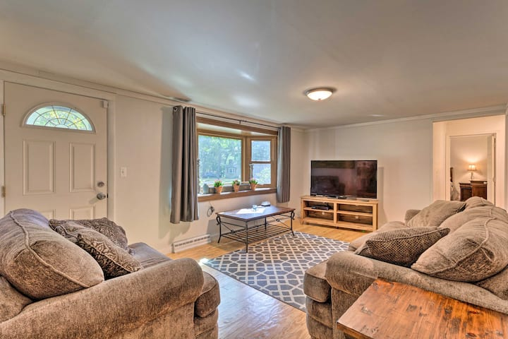 NEW! Home 7 Mi to Downtown; Walk to Cape Cod Bay!