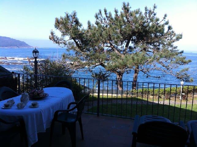 Preciosa casa en primera línea frente a Islas Cíes - Vigo - House