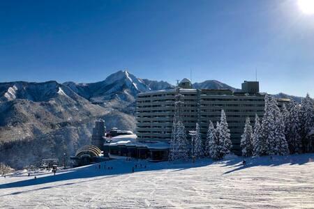Ski-in-out 3Beds+JP Room Kids&WiFi Free_SPA&Pool