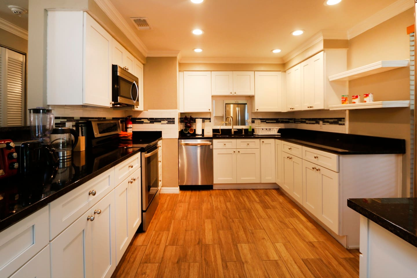 Large and beautiful kitchen to provide everything you need to cook light meals