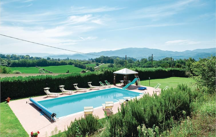 Holiday cottage with 7 bedrooms on 360m² in Vicchio di Mugello FI
