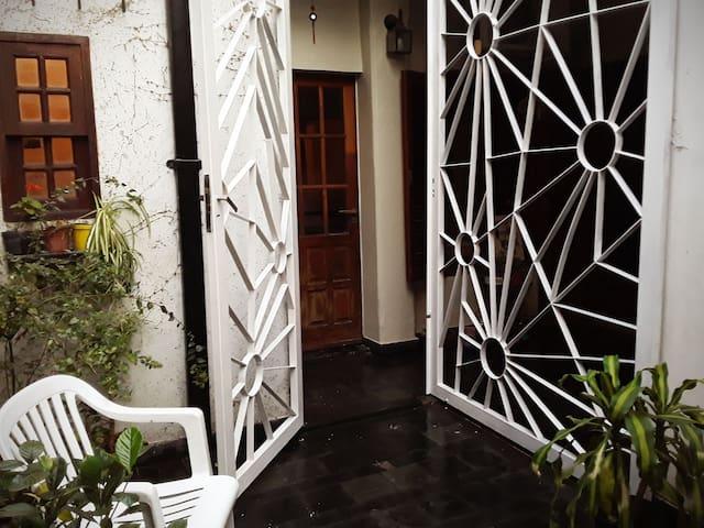 Casa-apartamento en la ciudad de los tilos