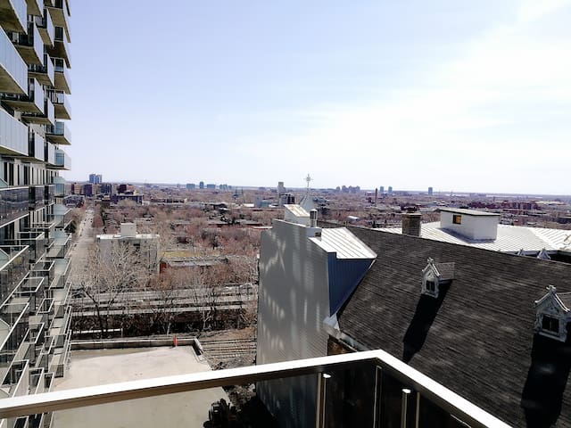 Downtown cozy&modern Condo with great balcony view - Montréal - Appartement