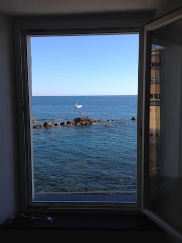 il mare in una stanza 010025-LT-0023