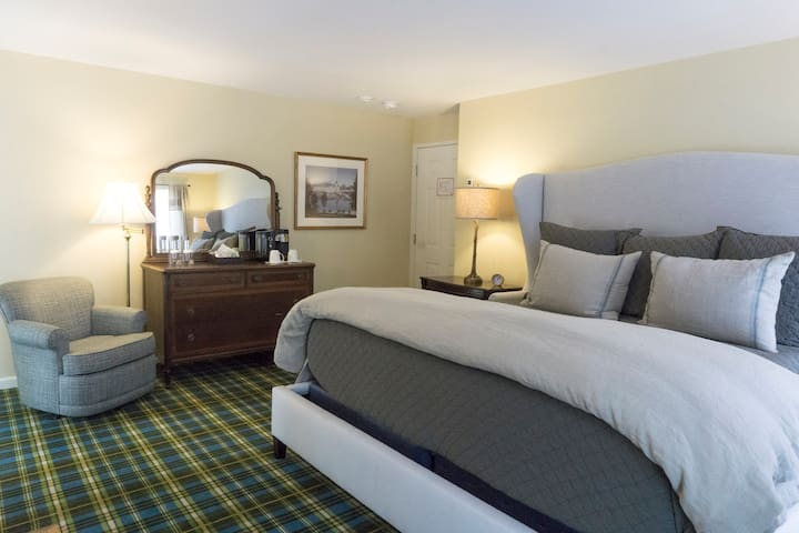 Newly renovated private room on scenic route VT100 - Dover - Konukevi