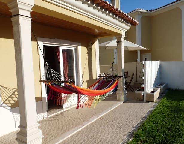 CHILLAX - Ericeira Guest House ( quarto duplo)