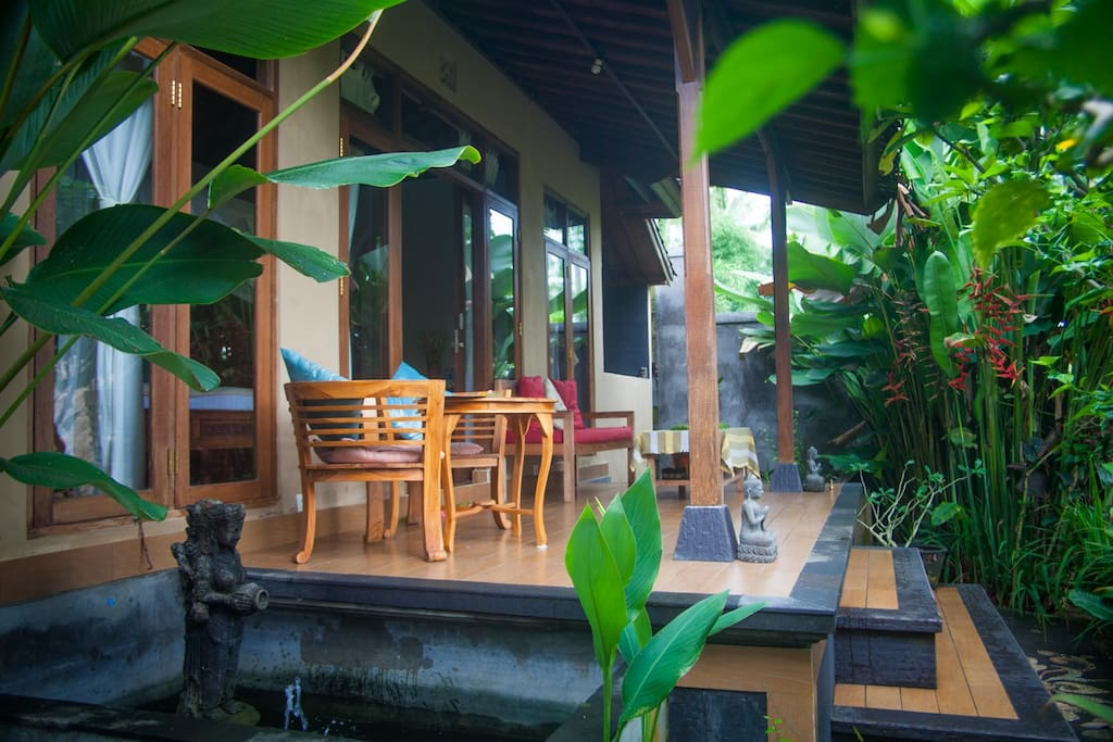 Private veranda with jungle view