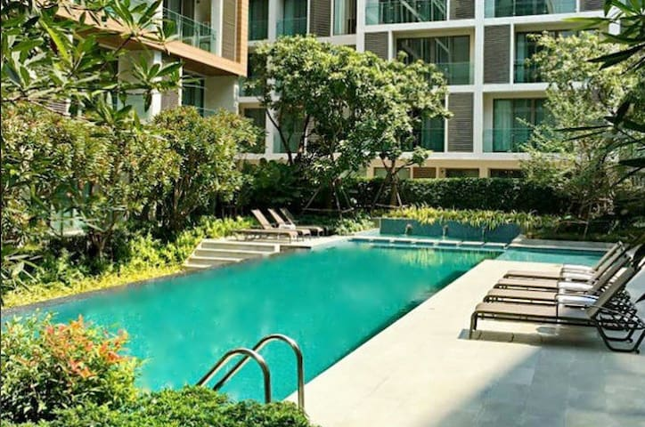 Heart of Nimman luxury Condo B@wifi/gym/sauna/pool